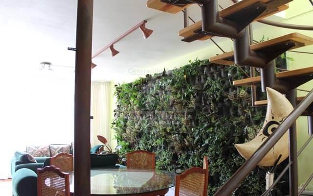 Sube el valor de tu casa con un Muro Verde