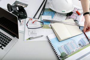 arquitecto-incognito-mesa-trabajo_1304-1701